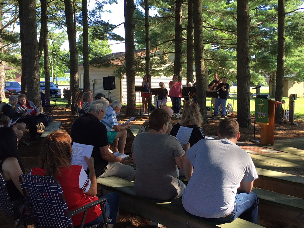Outdoor Chapel in the Pines Worship at Our Lord's Lutheran Church
